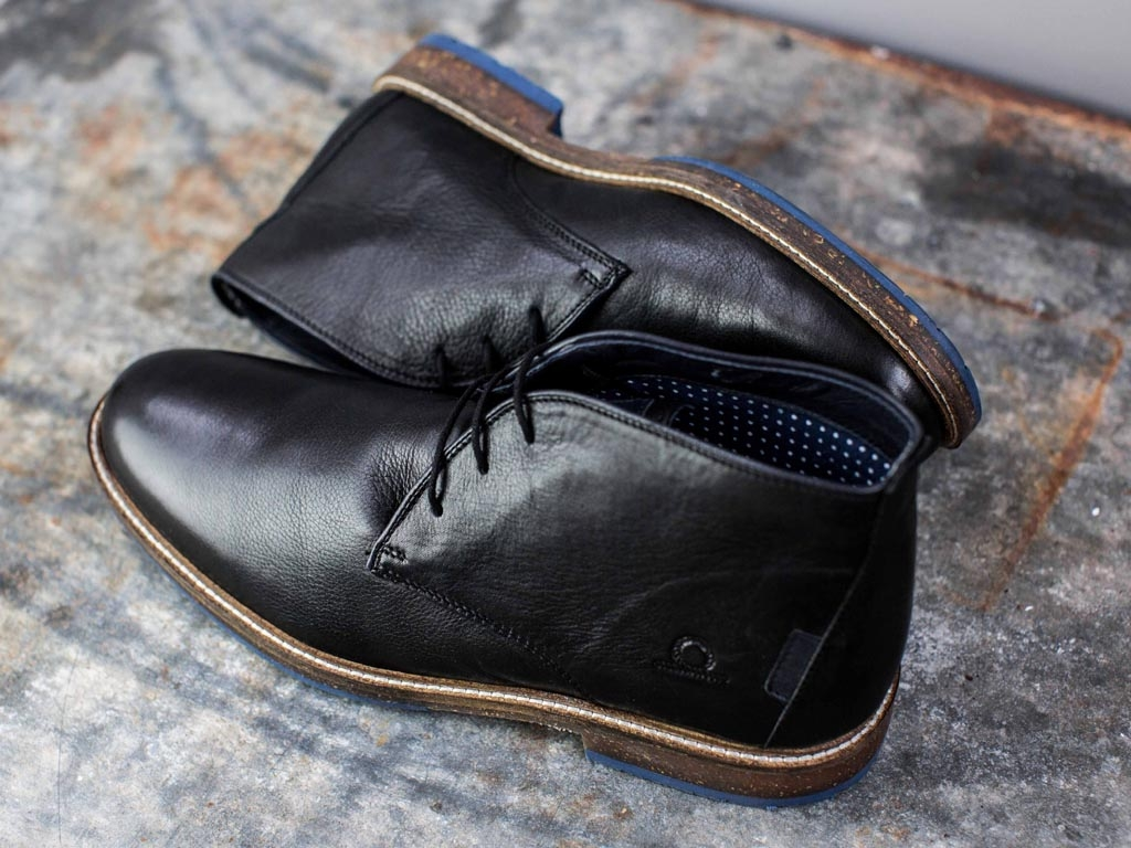 Perry Black Product Page